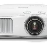 Η Epson παρουσιάζει δύο νέους ευέλικτους 4K PRO-UHD βιντεοπροβολείς για όλη την οικογένεια